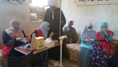 Photo of 100مليون صحة توقع الكشف على 70 مواطنًا بنجع الجنينة في المراشدة