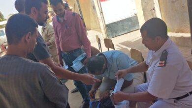 Photo of مجانا.. توزيع كمامات أمام لجان نقادة للناخبين