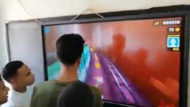 "Photo of فيديو .. طلاب يلعبون "" سابوي"" داخل مدرسة بقنا"