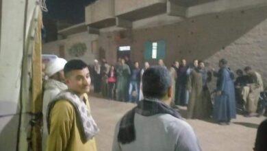 Photo of في الساعات الأخيرة .. اقبال ملحوظ من الناخبين بلجنة مدرسة عزبة البوصة بأبوتشت
