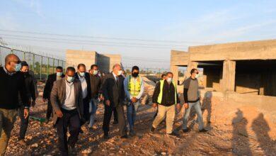 Photo of محافظ قنا يتفقد إنشاءات المحطة الوسيطة لتجميع المخلفات بأبوتشت