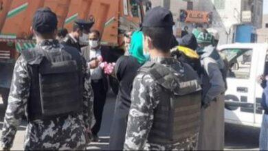 Photo of احتفالا بعيد الشرطة الـ69.. الأجهزة الأمنية بأبوتشت توزع حلوى على المواطنين