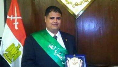 """Photo of """"علي الشاذلي"""" يحصد  جائزة أفضل قائد شباب في العمل الخدمي لعام 2020"""