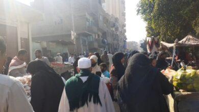 "Photo of ""سوق الأثنين"" بقوص.. عرض مفتوح للإصابة بفيروس كورونا"