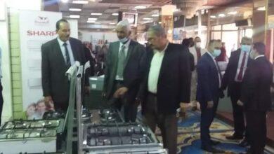 "Photo of محافظ قنا يفتتح معرض ""إفرش بيتك"" بعمر افندي"