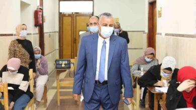 Photo of رئيس جامعة جنوب الوادي يتفقد لجان امتحانات الفصل الدراسي الأول في يومها الثامن