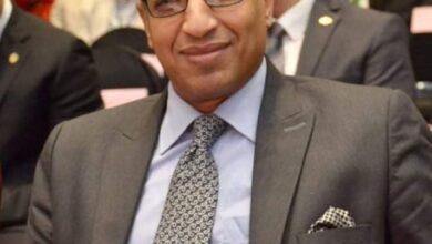 Photo of تعيين الدكتور بدوي شحات نائباً لرئيس جامعة جنوب الوادي لشئون التعليم والطلاب