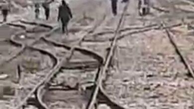 Photo of سائق قطار ينقذ سيدة ألقت نفسها أمام شريط السكة الحديد بأبوتشت