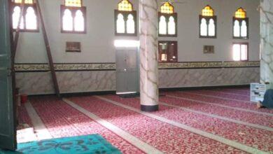"Photo of استعدادًا لشهر رمضان.. ترميم مسجد ""المدينة المنورة"" في حجازة بالجهود الذاتية"