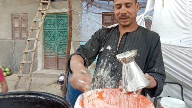 "Photo of بالصور ..""صابر"".. أشهر بائع كنافة بلدي في نجع حمادي ""على الأصل دور"""