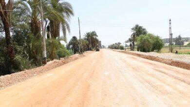 """Photo of إعادة رصف طريق """"الرنان"""" الغربى بنجع حمادى بتكلفة 14 مليون جنيه"""