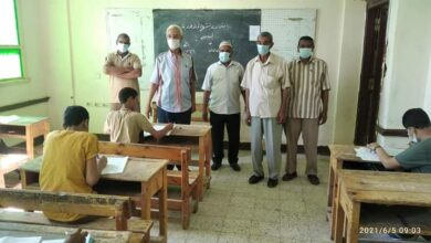 "Photo of ""مدير تعليمية قفط"" يتفقد عددا من لجان امتحانات الشهادة الإعدادية"
